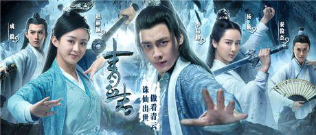 Bom tan 'Tru Tien': Cang khen cang that bai - Anh 2