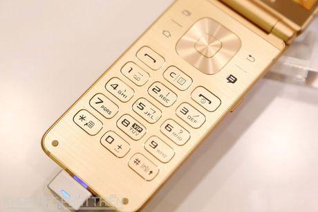 Chiem nguong ve dep smartphone nap gap, gia gan 3.000 USD cua Samsung - Anh 12