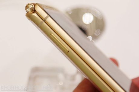 Chiem nguong ve dep smartphone nap gap, gia gan 3.000 USD cua Samsung - Anh 15