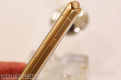 Chiem nguong ve dep smartphone nap gap, gia gan 3.000 USD cua Samsung - Anh 18