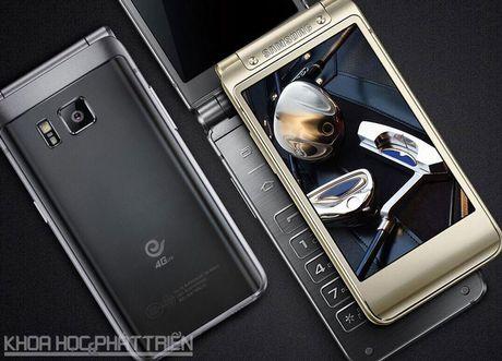 Chiem nguong ve dep smartphone nap gap, gia gan 3.000 USD cua Samsung - Anh 19