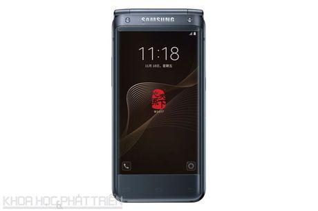 Chiem nguong ve dep smartphone nap gap, gia gan 3.000 USD cua Samsung - Anh 25