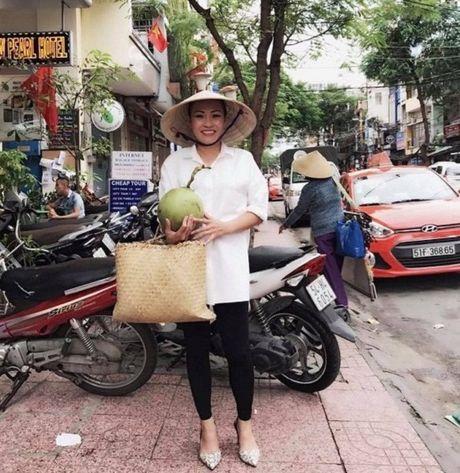 Chi Trung cuoi tuoi don tuoi 55, Mai Ngoc ngot ngao ben chong - Anh 2