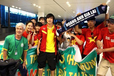 Cong Phuong, Tuan Anh bi fan nu 'vay' o Can Tho - Anh 10