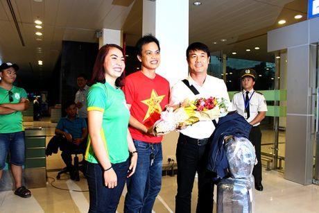 Cong Phuong, Tuan Anh bi fan nu 'vay' o Can Tho - Anh 2