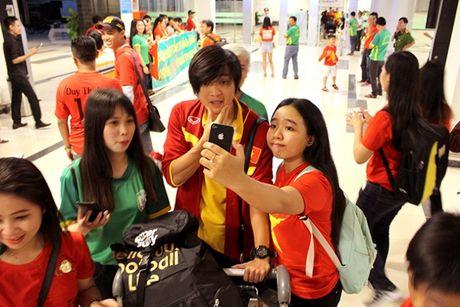Cong Phuong, Tuan Anh bi fan nu 'vay' o Can Tho - Anh 8