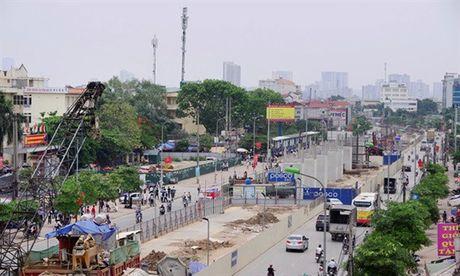 Duong sat tren cao doan Nhon - Ga Ha Noi: Doi gia, lai doi gia, va tiep tuc doi gia - Anh 2