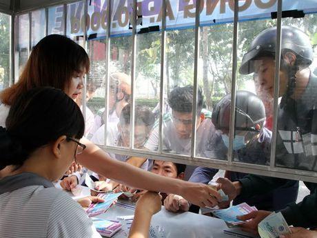 Tuyen Viet Nam ngo ngang truoc hang tram CDV Can Tho - Anh 1