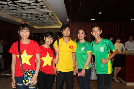 Tuyen Viet Nam ngo ngang truoc hang tram CDV Can Tho - Anh 4