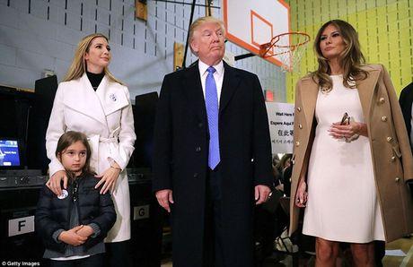 Gia dinh ong Trump dua ra quyet dinh truoc lua chon kho khan - Anh 4