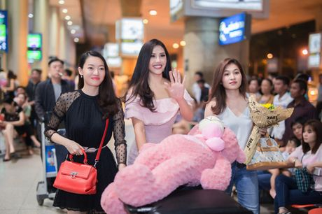 Nguyen Thi Loan rang ro tro ve sau Miss Grand International - Anh 1