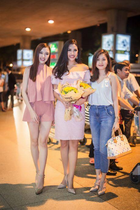 Nguyen Thi Loan rang ro tro ve sau Miss Grand International - Anh 3