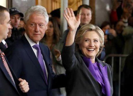 Hillary to ban linh nguoi thua cuoc, Trump doi tinh - Anh 2
