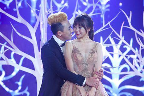 Tran Thanh va Hari Won bi fan boc me tinh tu 'lam mau' - Anh 1
