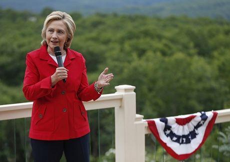 'Cuoc chien' xanh - do la lung dang sau sac ao cua Trump va Hillary - Anh 2