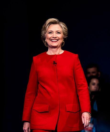 'Cuoc chien' xanh - do la lung dang sau sac ao cua Trump va Hillary - Anh 5
