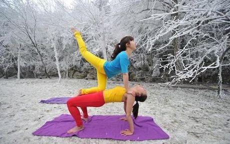 Sung sot truoc anh yoga cuc doc cua gai xinh Trung Quoc - Anh 5