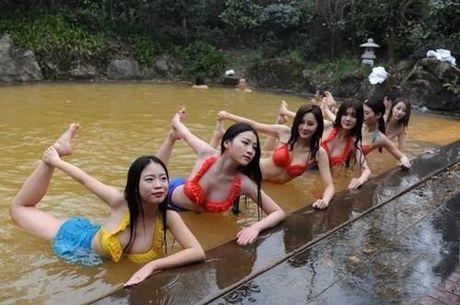 Sung sot truoc anh yoga cuc doc cua gai xinh Trung Quoc - Anh 9