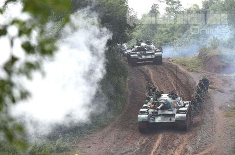 'Voi sat' T-54 Viet Nam roi 'vien' X32 the nao? - Anh 11