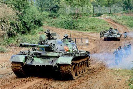 'Voi sat' T-54 Viet Nam roi 'vien' X32 the nao? - Anh 15