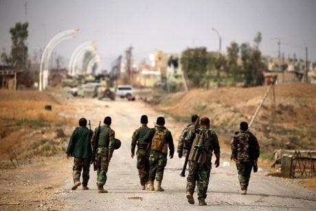 Hinh anh dan quan nguoi Kurd danh IS tai Bashiqa - Anh 2
