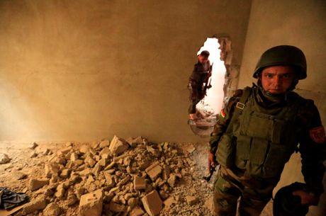 Hinh anh dan quan nguoi Kurd danh IS tai Bashiqa - Anh 3