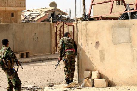 Hinh anh dan quan nguoi Kurd danh IS tai Bashiqa - Anh 5