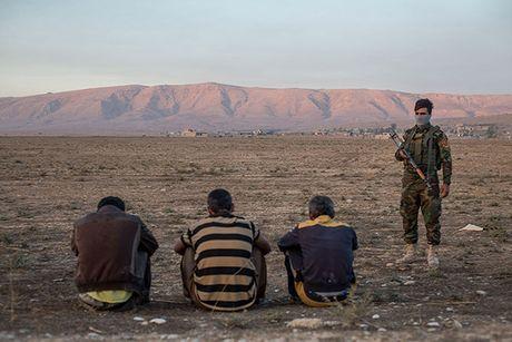 Chum anh nguoi dan Iraq chay loan khoi Mosul - Anh 13