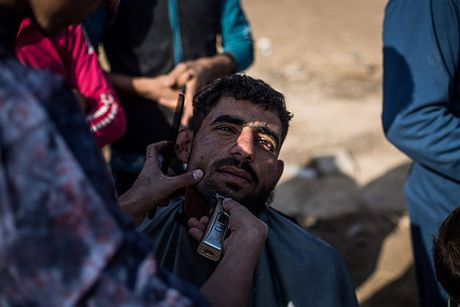 Chum anh nguoi dan Iraq chay loan khoi Mosul - Anh 14