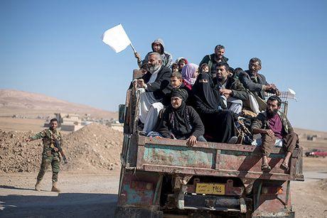 Chum anh nguoi dan Iraq chay loan khoi Mosul - Anh 2
