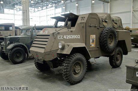Bat ngo bo vu khi CTTG 2 trong bao tang Nga - Anh 16
