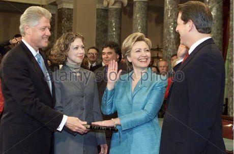Con duong chinh tri cua ba Hillary Clinton qua anh - Anh 12