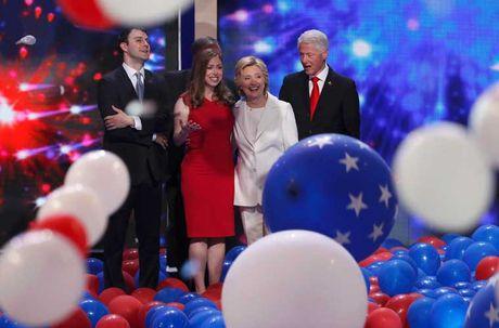 Con duong chinh tri cua ba Hillary Clinton qua anh - Anh 17