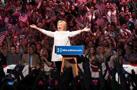 Con duong chinh tri cua ba Hillary Clinton qua anh - Anh 3