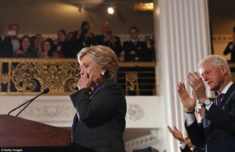 Hillary Clinton xuc dong thua nhan that bai - Anh 1