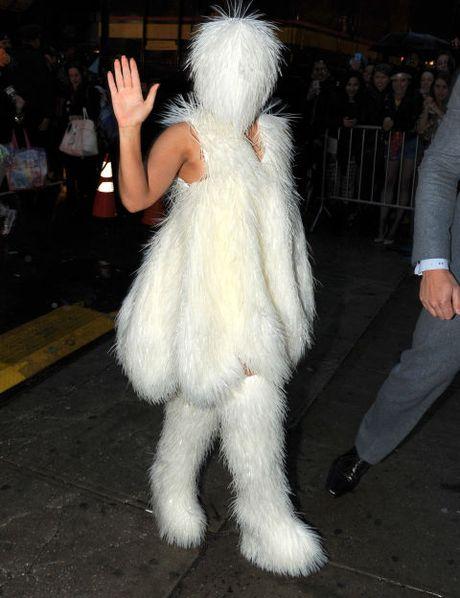 "Sam soi nhung trang phuc sieu ""ba dao"" cua Lady Gaga - Anh 11"