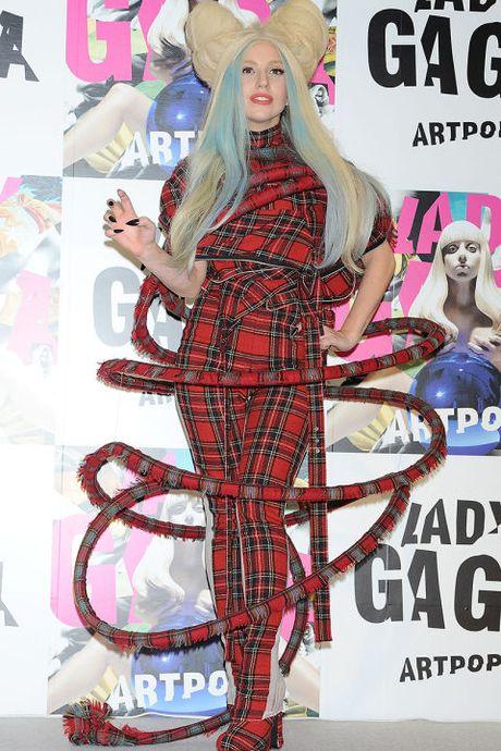"Sam soi nhung trang phuc sieu ""ba dao"" cua Lady Gaga - Anh 14"