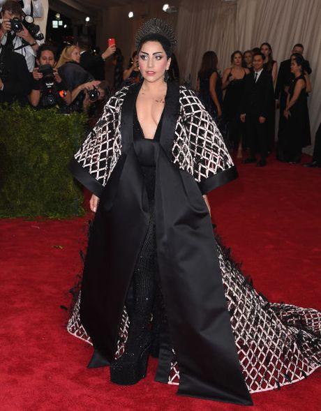 "Sam soi nhung trang phuc sieu ""ba dao"" cua Lady Gaga - Anh 2"