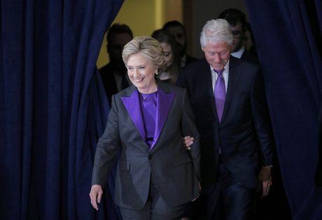 Tai sao ba Clinton mac sac tim khi phat bieu nhan thua? - Anh 1