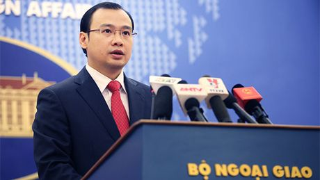 Nguoi Phat ngon Bo Ngoai giao Viet Nam noi ve viec Hoa Ky co tan Tong thong - Anh 1