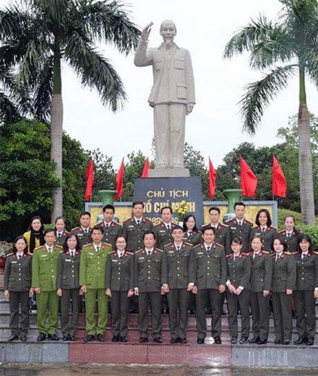 Hoi nghi lay y kien tham gia vao cac van ban tai chinh Cong doan - Anh 2