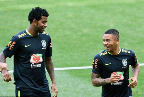 Tiep Argentina: SAO Brazil phun nuoc, da bong bung tai - Anh 6