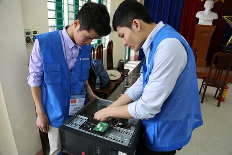 21 chuyen gia y te Benh vien Samsung kham chua benh mien phi tai Viet Nam - Anh 3