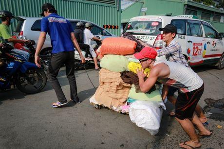 TPHCM dong cua cho Binh Tay de sua chua - Anh 10