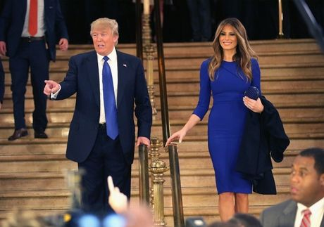 Vo chong Donald Trump dien do an y khi sanh doi - Anh 11