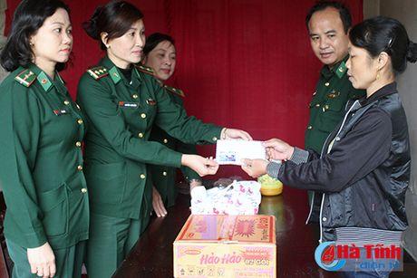 Cong dong nguoi Viet tai Duc den voi ba con vung lu Ha Tinh - Anh 8