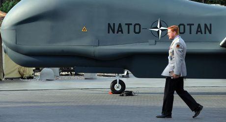 My canh bao Nga ve moi nguy hiem neu tan cong NATO - Anh 1