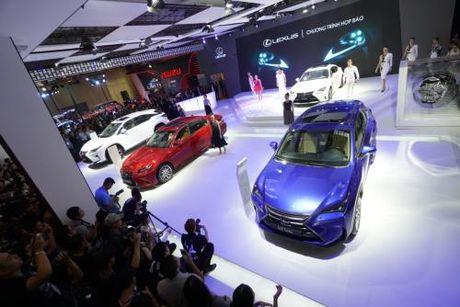 Suc tieu thu Lexus tang gan 170% cho du thue tang - Anh 3