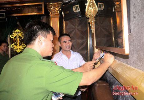 Do Luong: Kiem tra cong tac PCCC tai 24 diem kinh doanh karaoke - Anh 1