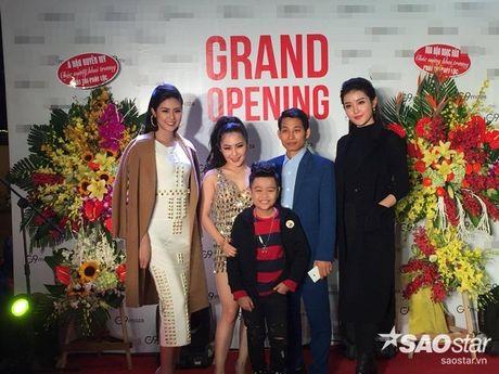 Nhat Minh duoc khan gia 'san don' trong lan dau di dien sau dang quang The Voice Kids 2016 - Anh 5
